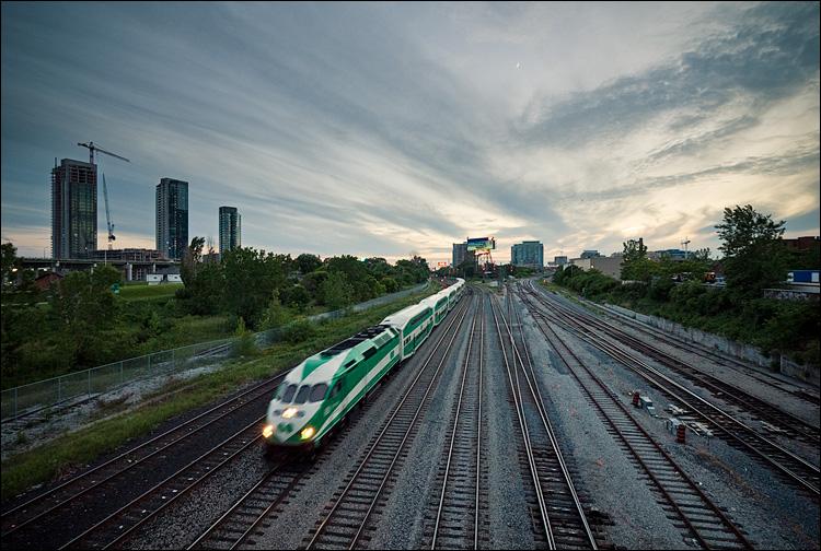 green train || PanasonicGF1/Vario7-14@9 | 1/50s | f4 | ISO200