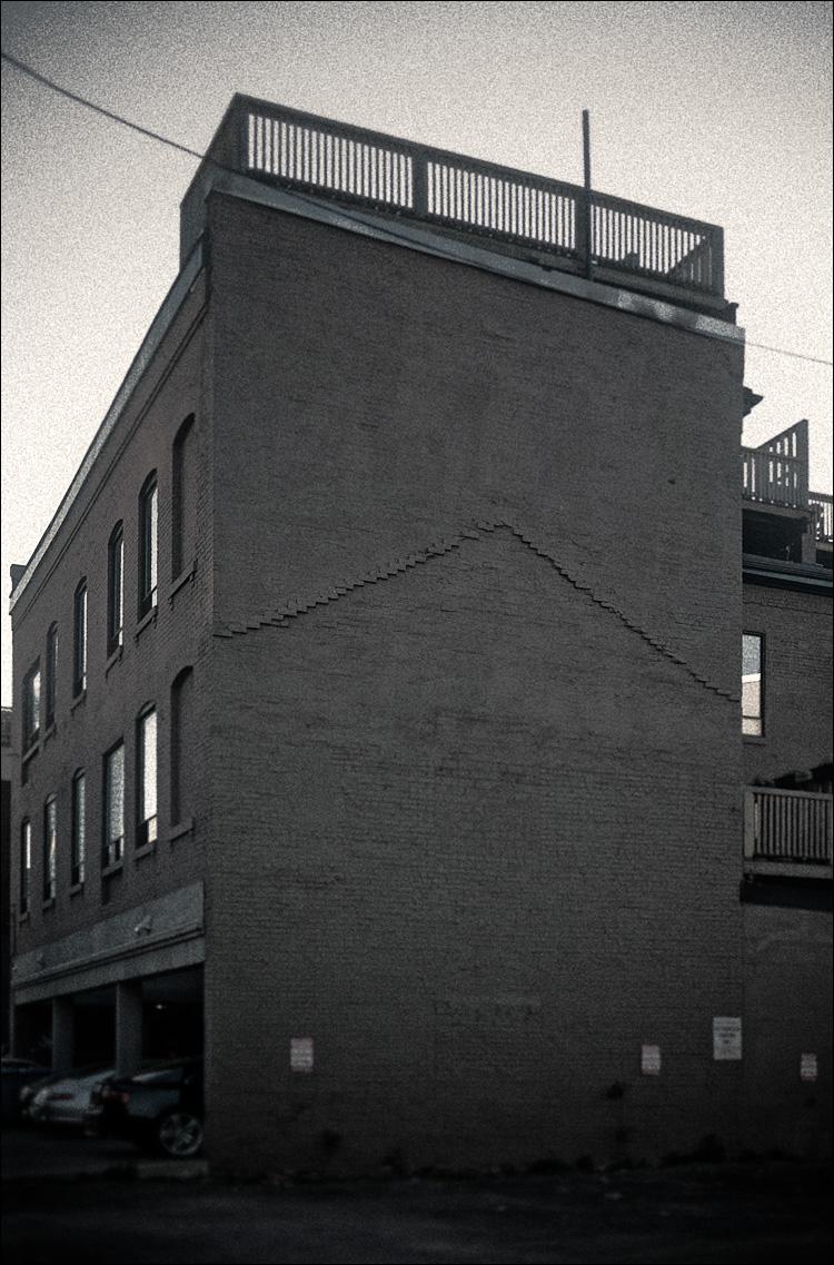ghost roof || Panasonic GF1/Pana20f1.7 | 1/320s | f1.7 | ISO100