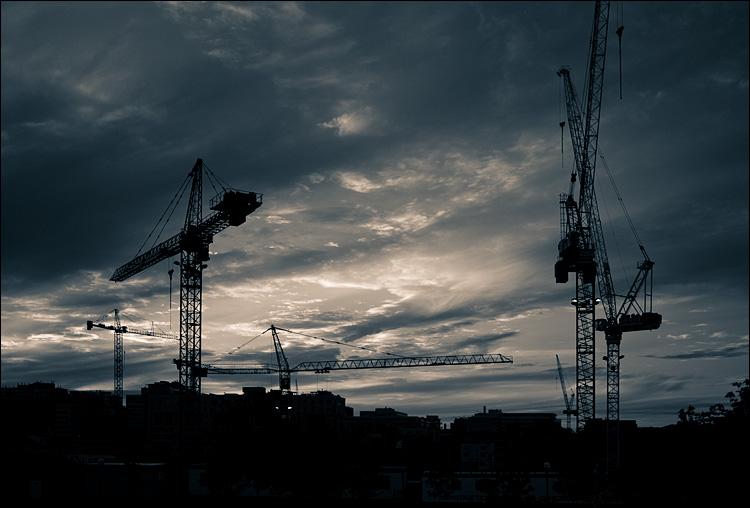 cranes city || Panasonic GF1/Pana20f1.7 | 1/1250s | f2 | ISO100