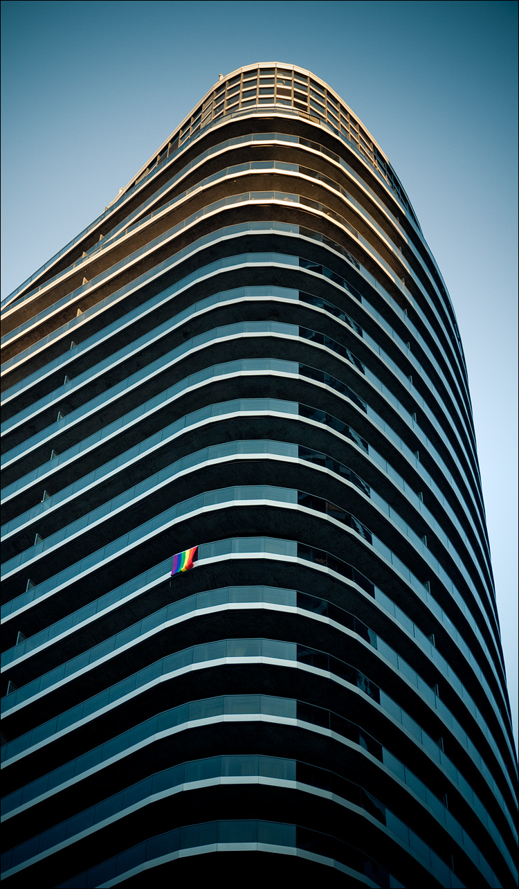 rainbow on glass || Panasonic GF1/Vario14-140@41 | 1/60s | f5.3 | ISO125