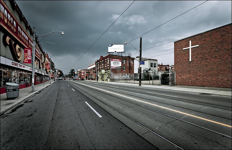 storm and street || Panasonic GF1/Vario 7-14@7 | 1/320s | f6.3 | ISO100