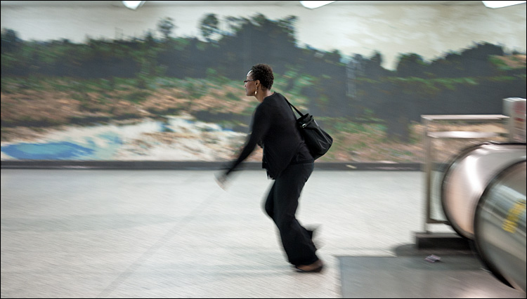 subway runner || Panasonic GF1/Pana20f1.7 | ISO100