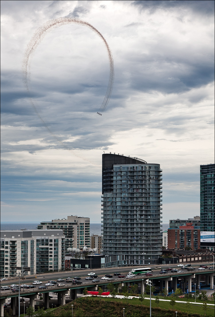 air show || Canon5D2/EF24-105f4L \ 1/320s | f8 | ISO200