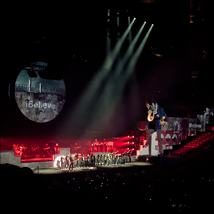 roger-waters_the-wall_-20100916-203019-_1320349.jpg