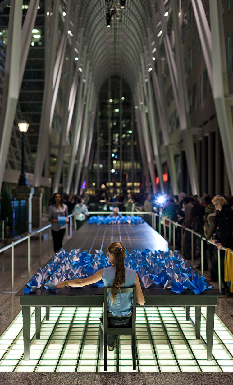 blue girl in nuit blanche || Canon5D2/EF50f1.4 | 1/80s | f2.2 | ISO800