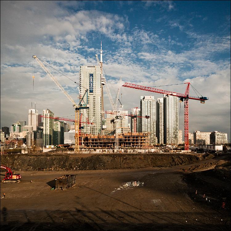 crane city || Canon5D2/Sigma12-24 | 1/1600s | ISO200