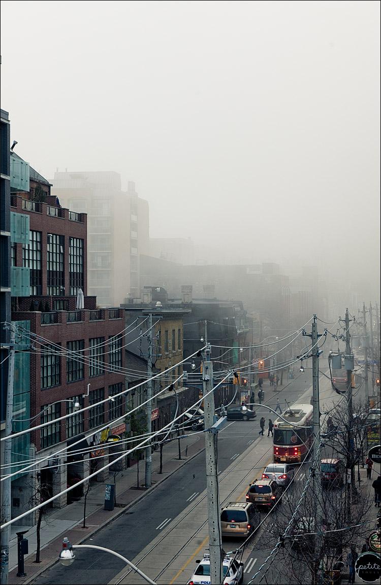 fog city || Canon5D2/EF24-105L@67 | 1/100s | f7.1 | ISO400