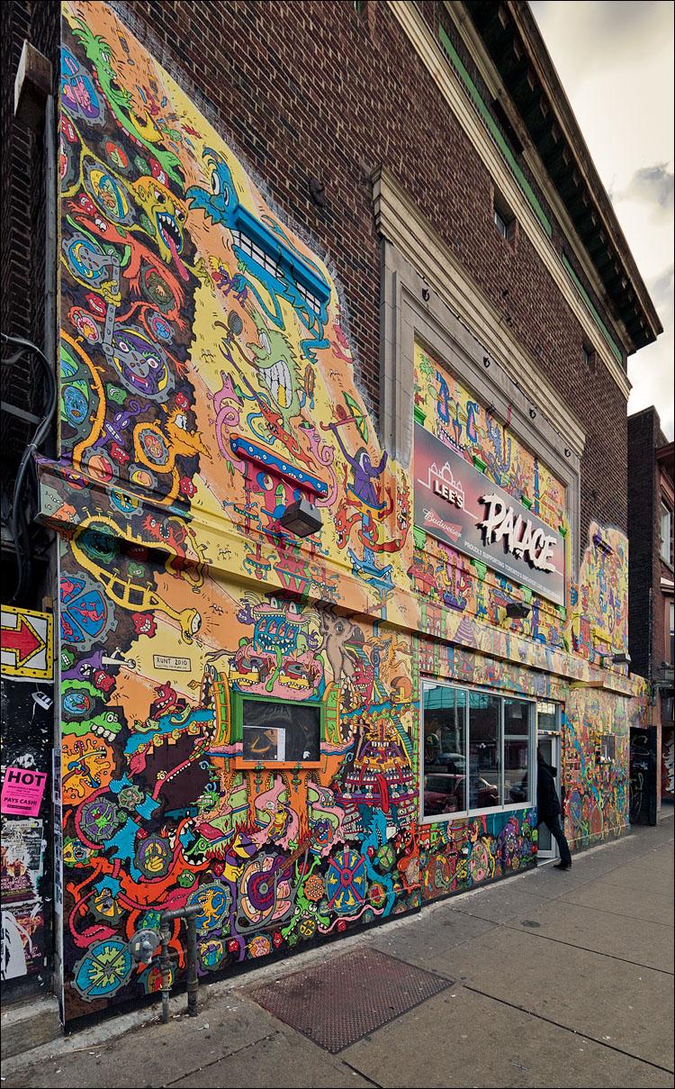 lee's palace mural || Panasonic GF1/Vario 7-14@7 | 1/200s | f5 | ISO100