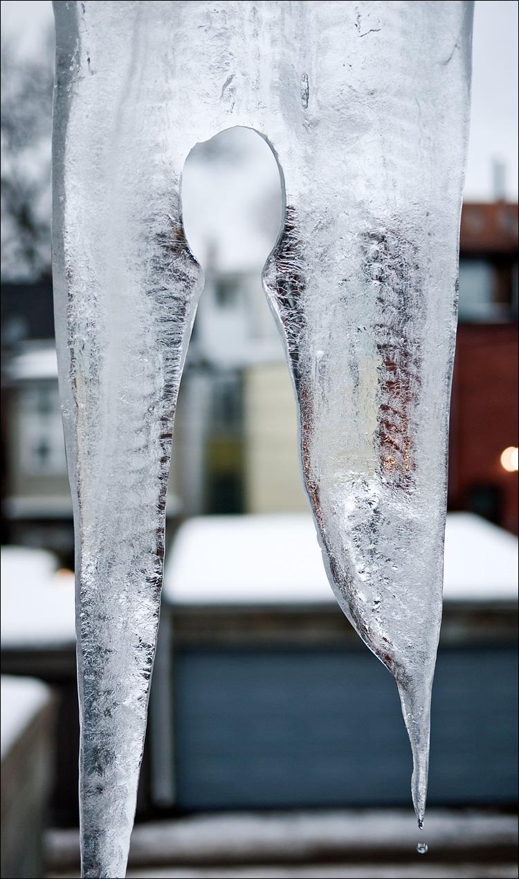 figure in ice || Panasonic GF1/Pana1.7 | 1/320s | f1.7 | ISO100