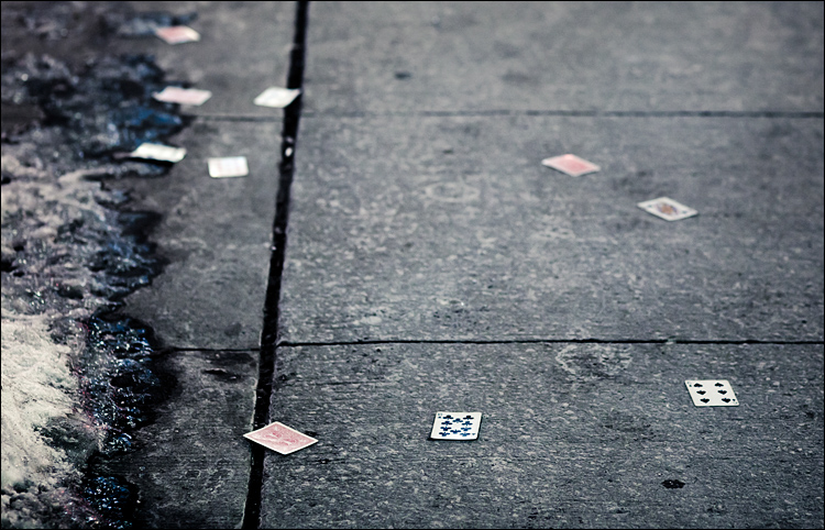 Ten of Clubs || Canon5D2/EF85 | 1/13s | f2.8 | ISO1600