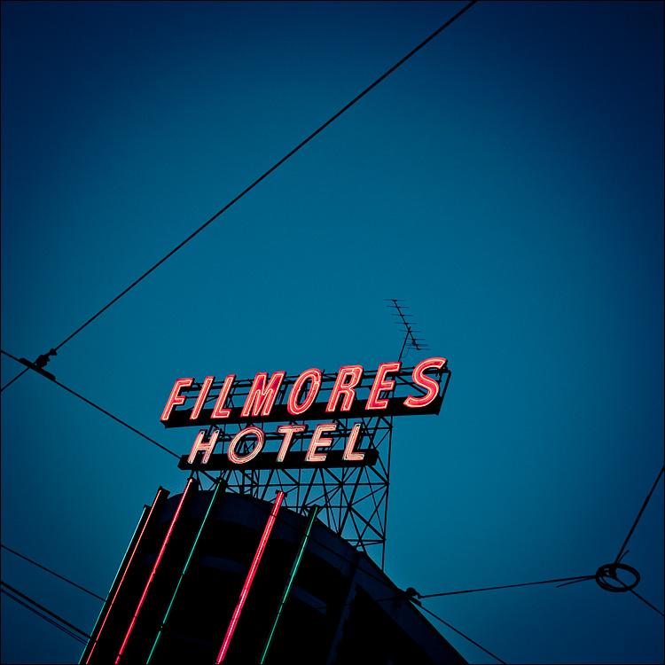 Filmores Hotel || Panasonic GF1/Pana20f1.7 | 1/320s | f1.7 | ISO100
