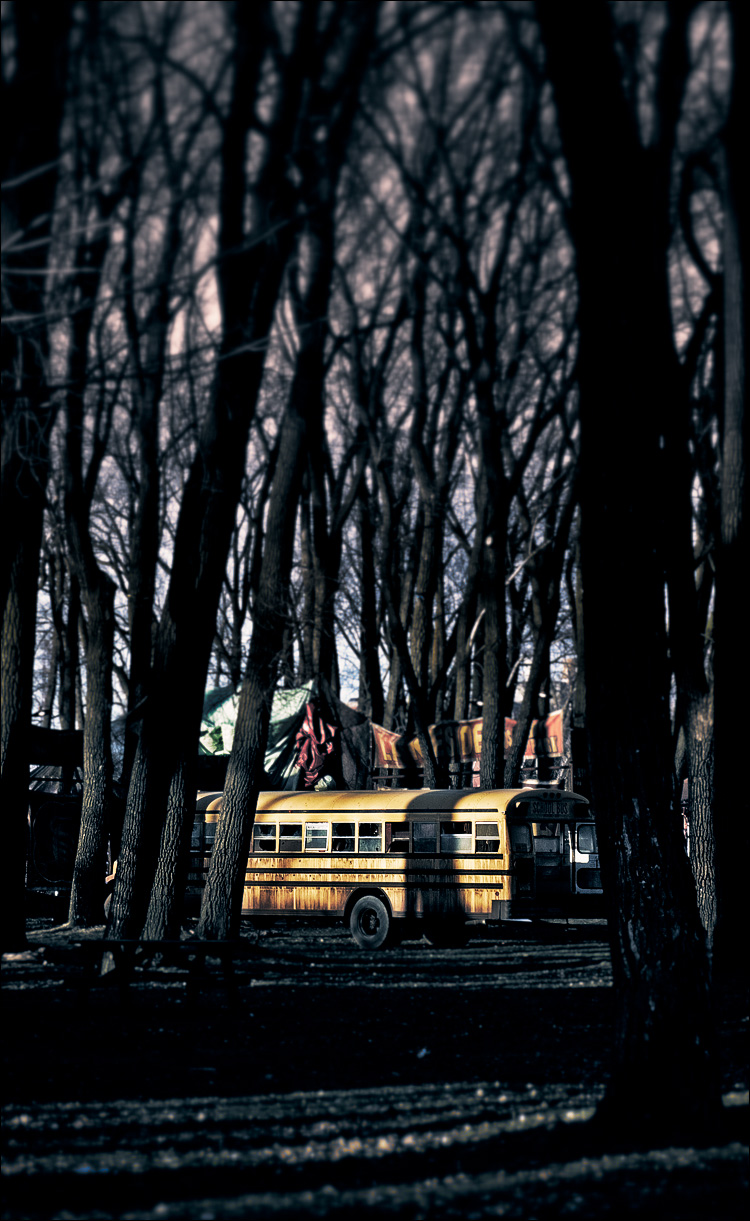 Bus in the woods || Panasonic GH2/Vario14-140@54 | 1/250s | f7.1 | ISO160