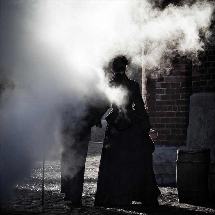 Steam People || Panasonic GH2/Vario 14-140@140 | 1/320s | f5.8 | ISO320