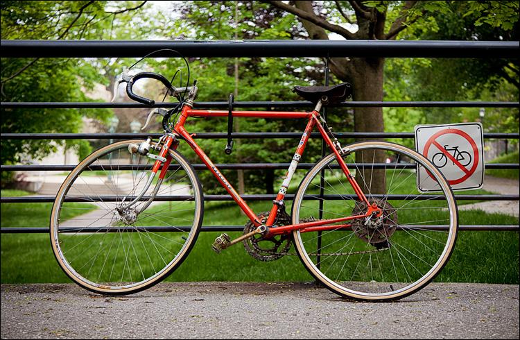 No Bikes || Canon5D2/EF24-105f4L@55 | 1/250s | f4 | ISO400