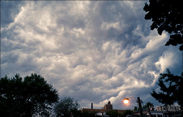Storm Clouds || Panasonic GH2/Vario14-140@14 | 1/3s | f11 | ISO160