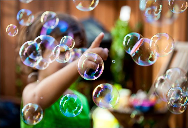 Bubbles || Canon5D2/EF24-105f4L@60 | 1/800s | f4 | ISO800