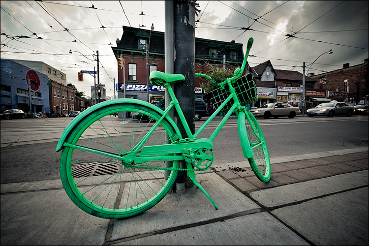 Green Bike || Panasonic GH2/Vario7-14@7 | 1/160s | f4.5 | ISO160