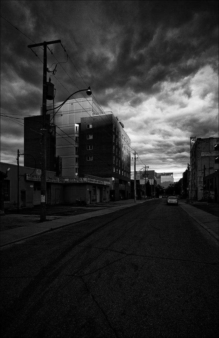 Sunlit Building  || Panasonic GH2/Vario7-14@10 | 1/100s | f4 | ISO160