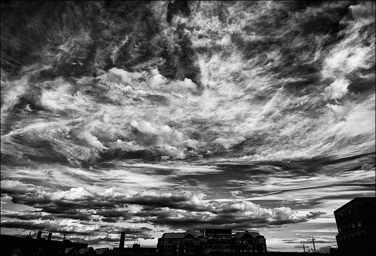 Angry Sky || Canon5D2/EF24-105f4L@24 | 1/640s | f8 | ISO200