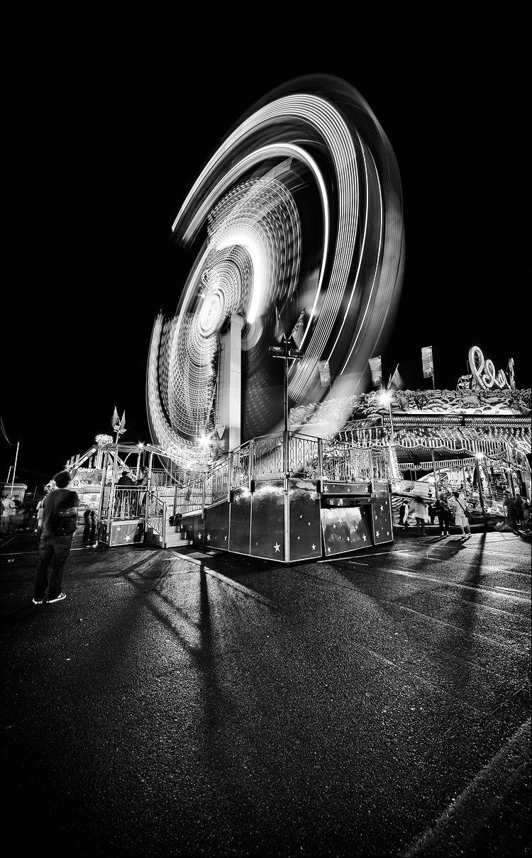 http://wvs.topleftpixel.com/photos/2011/09/the-ex_spinning-lights_wide_02bw.jpg