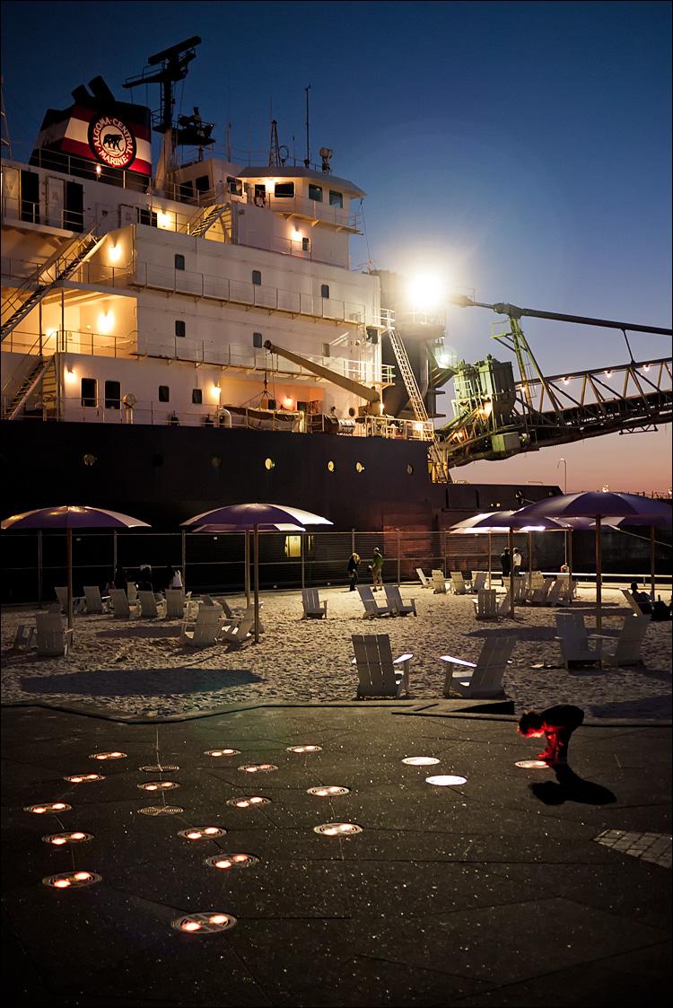 Sugar Beach Night || Panasonic GF1/20f1.7 | 1/30s | f1.7 | ISO500