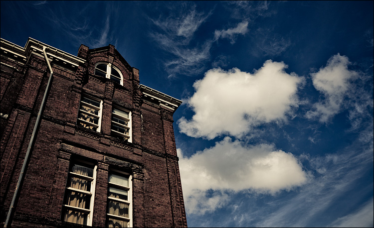 School and Clouds || Canon5D2/EF24-105f4L@32 | 1/640s | f5.6 | ISO