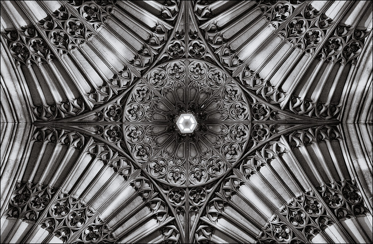 Soldier's Tower Ceiling || Canon 5D2/EF24-105f4L@24 | 1/30s | f4 | ISO800