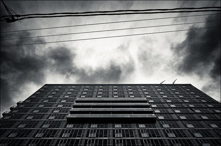 Four Balconies || Panasonic GH2/Lumix7-14@9 | 1/320s | f6.3 | ISO160