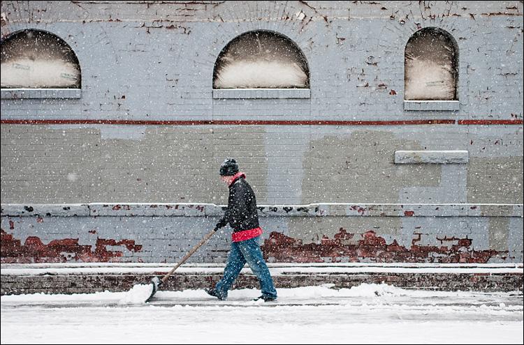 The Snow Shoveller || Panasonic GH2/Olympus45f1.8 | 1/320s | f1.8 | ISO320