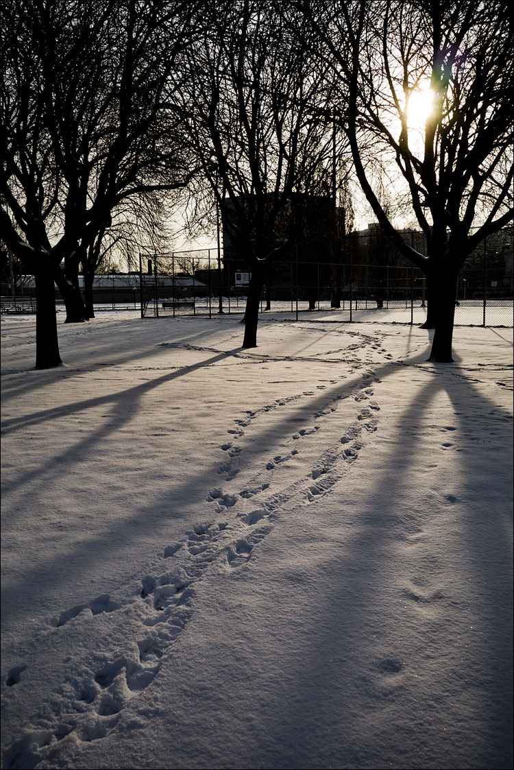 Shadows and Footprints || Panasonic GH2/x14-42@14 | 1/500s | f9 | ISO160