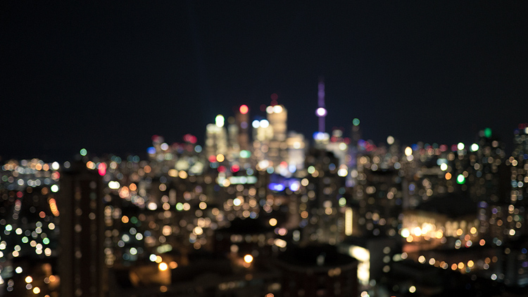Blurry City || Panasonic GX1/Lumix 14f2.5 | 1/3s | f2.5 | ISO400