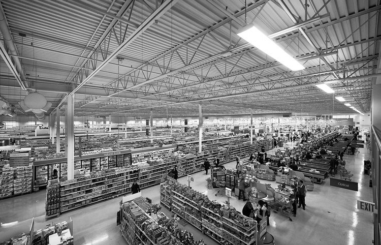 The Aisles || Panasonic GX1/Lumix7-14@7 | 1/60s | f4 | ISO200
