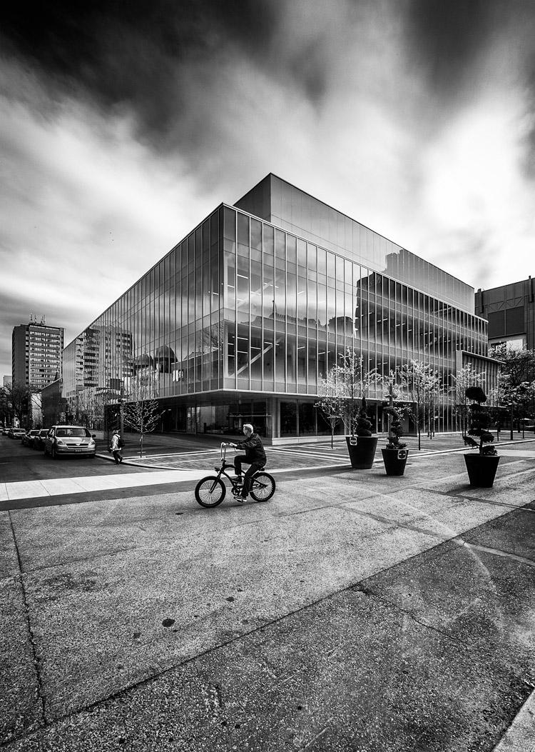 Biker and Glass || Panasonic GX1/Lumix7-14@7 | 1/320s | f6.3 | ISO160