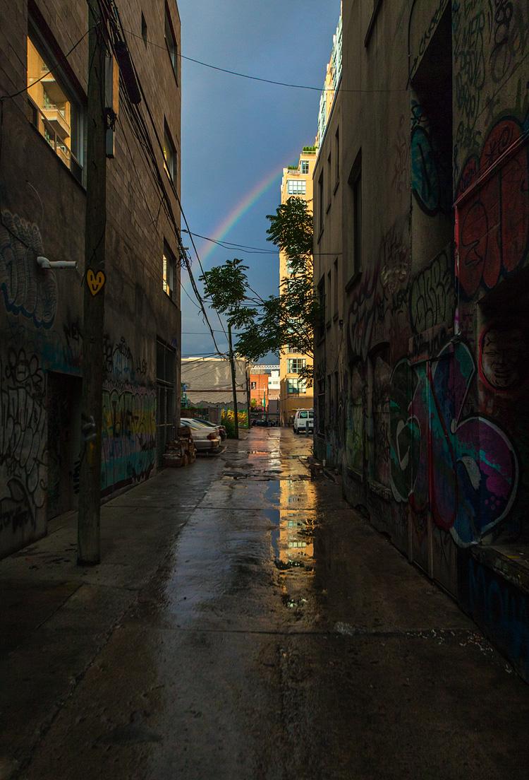 Rainbow and Graffiti || Canon5D2/Sigma12-24@24 | 1/1600s | f5.6 | ISO800