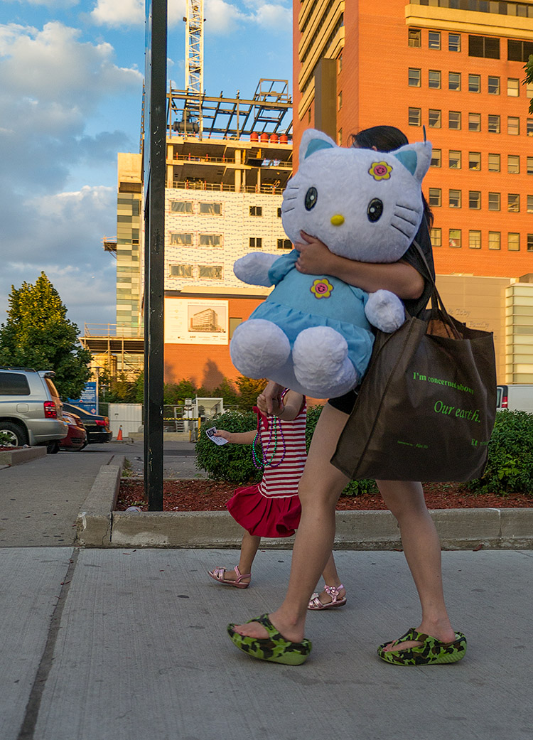 Hello Kitty || Panasonic GX1/Lumix12-35@12 | 1/400s | f2.8 | ISO160
