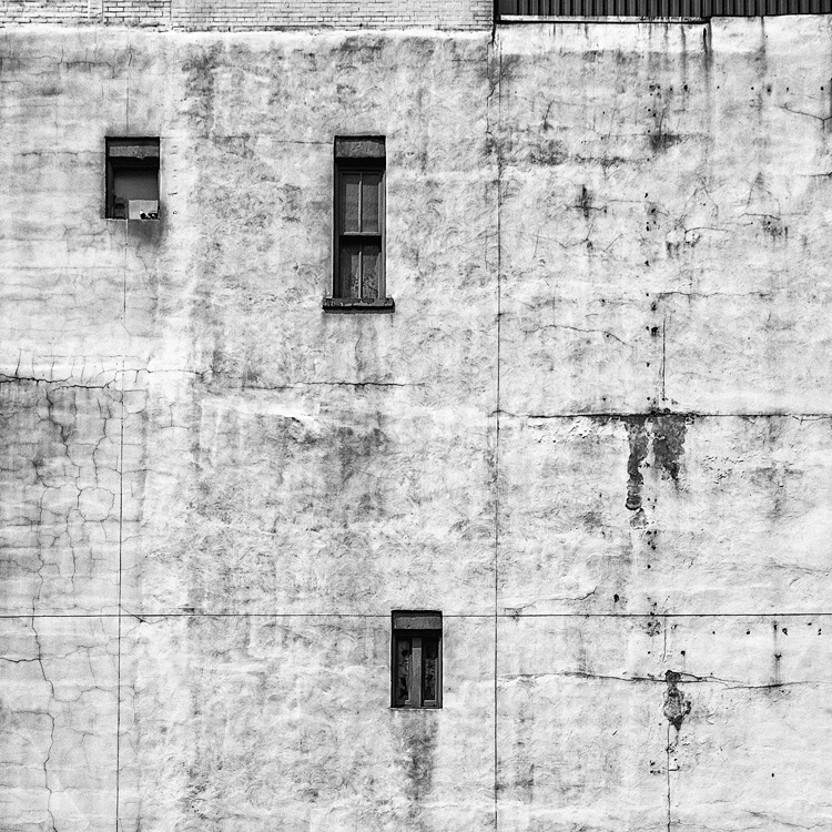 Windows and Cracks || Panasonic GX1/Lumix7-14@8 | 1/500s | f9 | ISO160