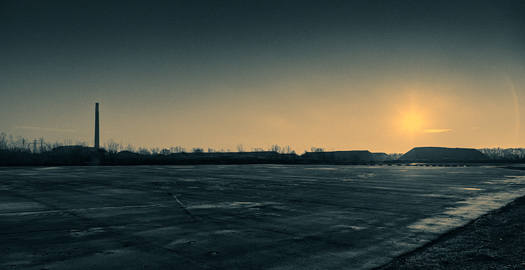 The Smokestack || Canon 5D2/EF24-105f4L@24 | 1/2000s | f6.3 | ISO200