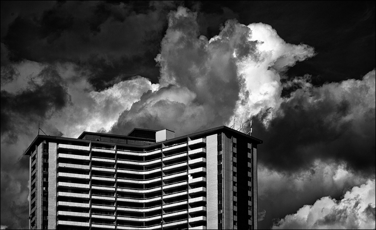 Residential Clouds || Canon5D2/EF24-105@1-5 | 1/800s | f8 | ISO100