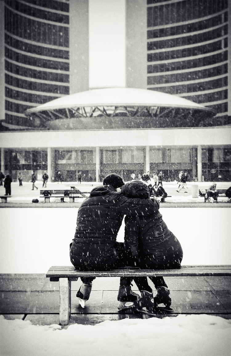 Lovers in Snow || Panasonic GH3/Lumix12-35@32 | 1/200s | f5.6 | ISO200