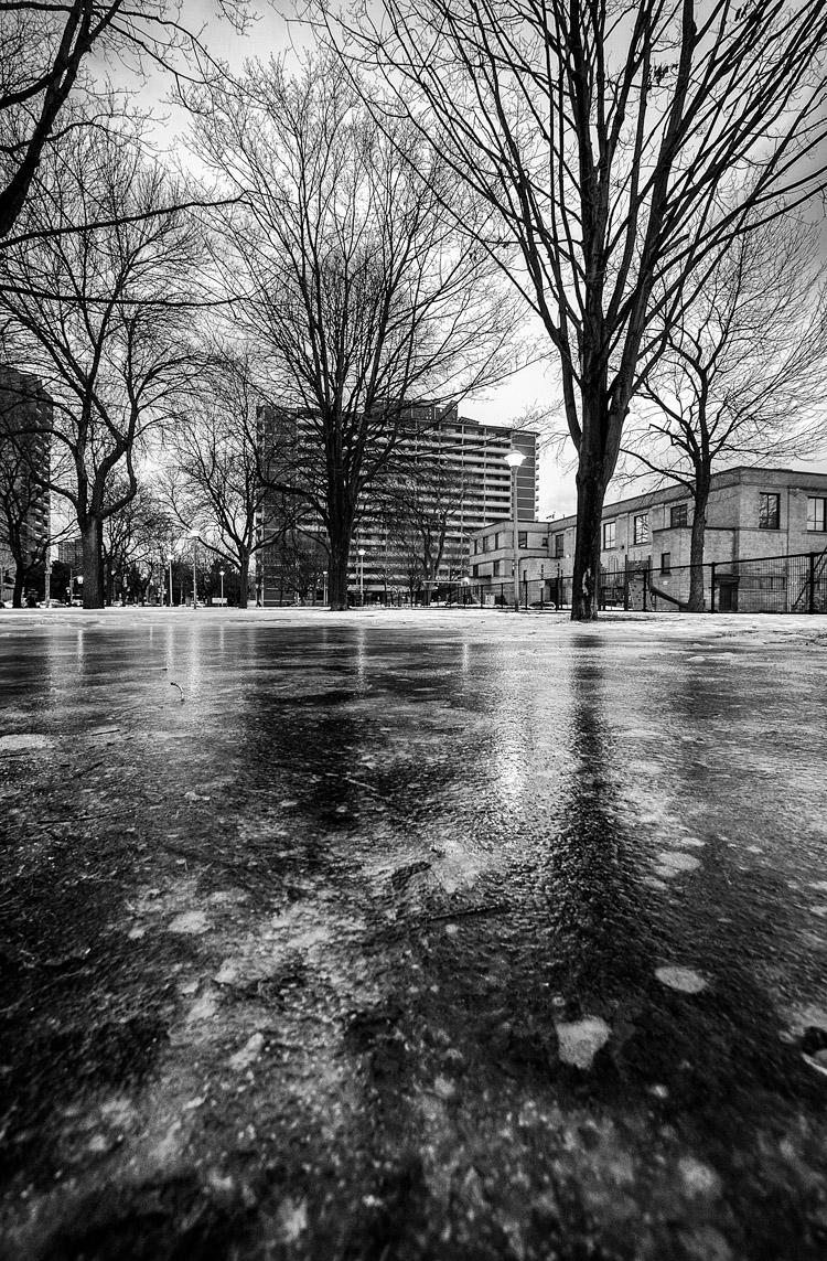 Frozen Park || Panasonic GH3/Lumix7-14@7 | 1/60s | f4 | ISO320