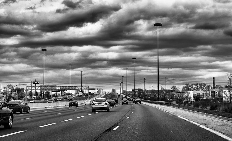 Highway || Panasonic GH3/Lumix 12-35@35 | 1/320s | f5 | ISO200