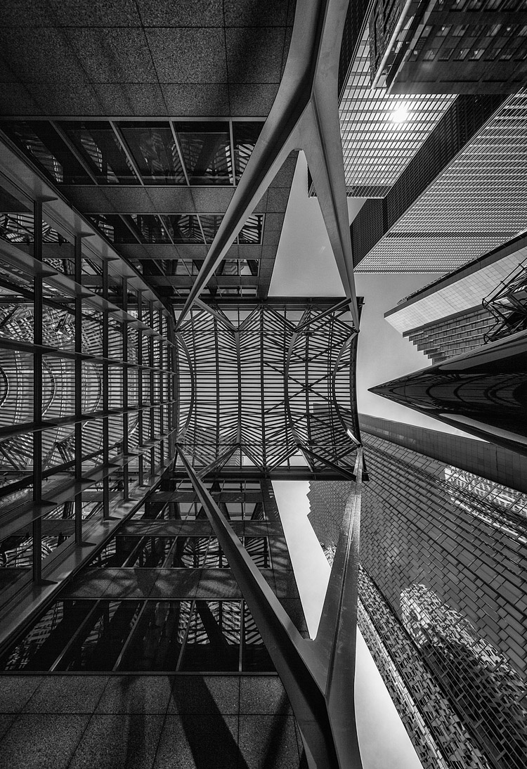 City Lines || Canon5D2/Sigma12-24@12 | 1/640s | f5.6 | ISO100