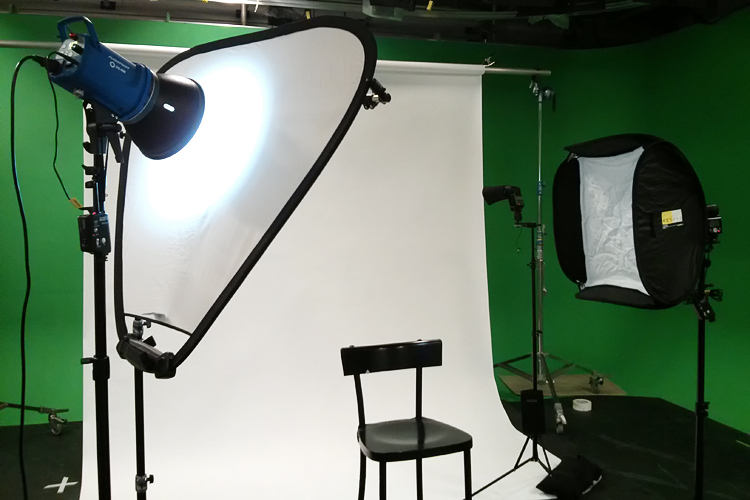 peter-mansbridge_lighting-setup.jpg