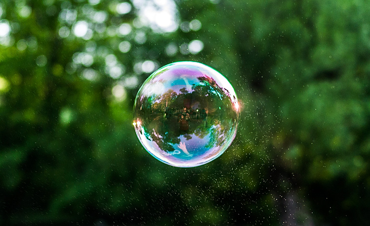 Bubble || Panasonic GX1/Lumix20mm | 1/250s | f1.7 | ISO160