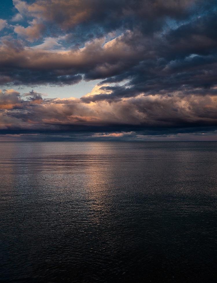 Water and Clouds || Panasonic GX1/Lumix7-14@14 | 1/125s | f4.5 | ISO160