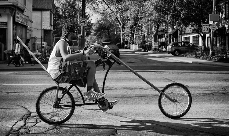 The Cyclist || Panasonic GX1/Lumix20mm | 1/1600s | f2.2 | ISO160