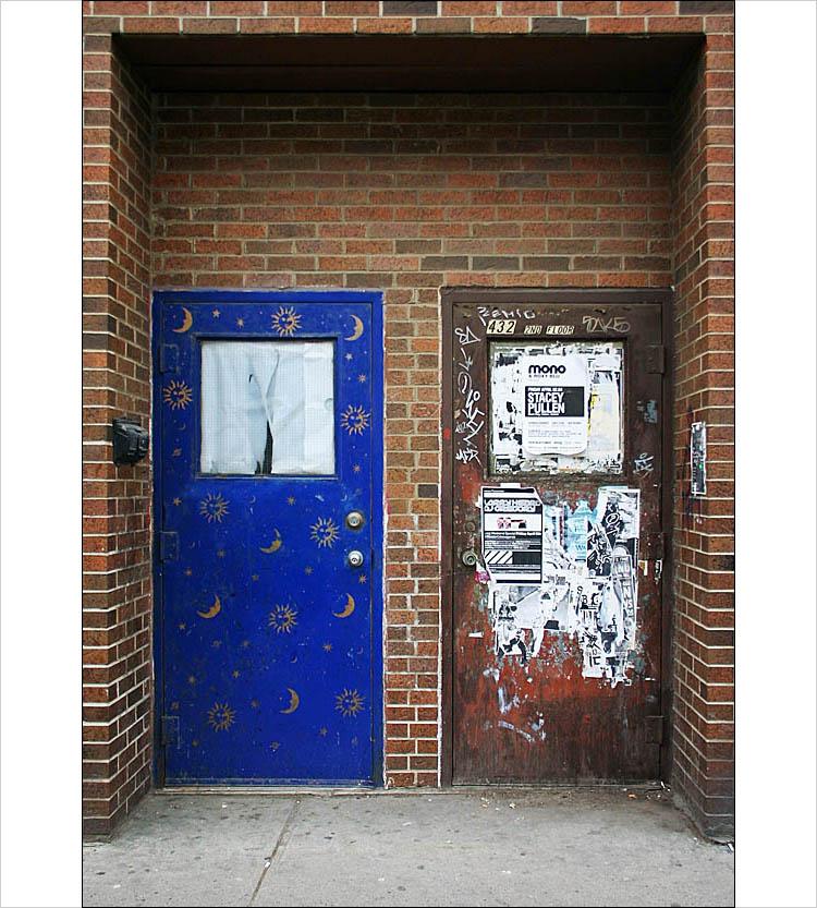 twin doors in queen west || digital rebel | 1/50s | F/4 | ISO 200