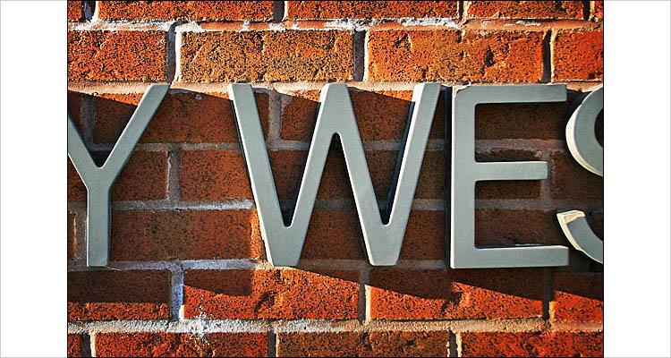 Wellesley West || digital rebe; 1/60s | F/5.6 | ISO 100