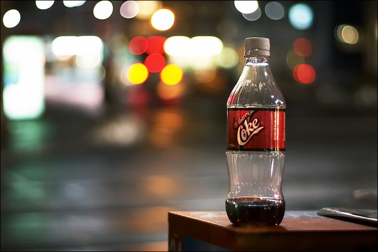 cherry coke || canon 300d/ef 50mm 1.8 | 1/15s | f1.8 | ISO 400 | handheld