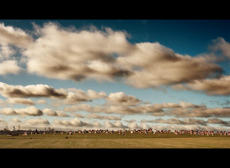 صور من الطبيعة Clouds_over_cemetery
